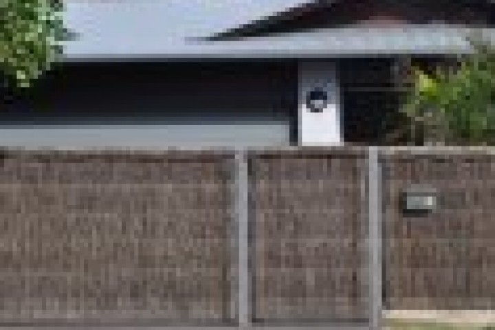 Trimlite Fencing Sydney Thatched fencing 720 480
